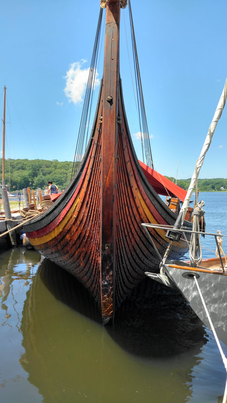 Picture front view (bow) of Viking ship